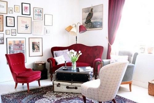 Мебель цвета вишня в интерьере гостиной