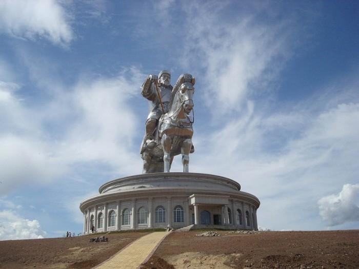Самый большой памятник великому полководцу. /Фото: bigpicture.ru