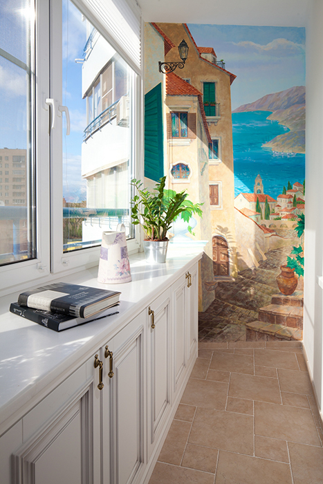 """<p>Автор проекта: архитектурно-строительная компания «Легэ-Артис».</p> <p>Одну из стен лоджии можно раписать в неаполитанском стиле """"Санта Лючии"""" Сильвестра Щедрина и пелевинского S.N.A.F.F. Будет очень концептуально.</p>"""