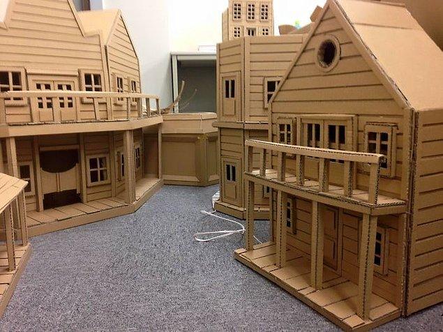 Маленький городок из картона