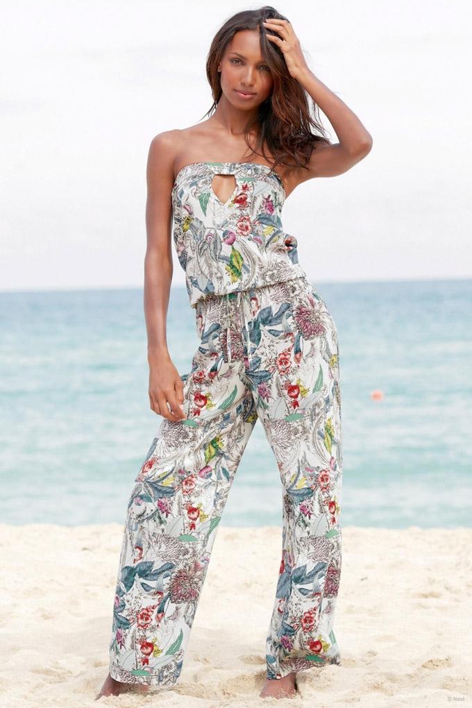 jasmine-tookes-beach-shoot-next07.jpg