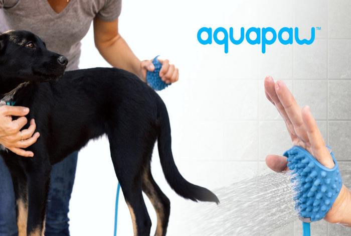 Перчатка-душ для мытья собак.