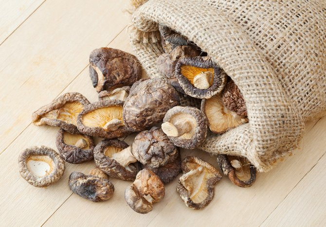 Грибной настой готовят из сушеных грибов