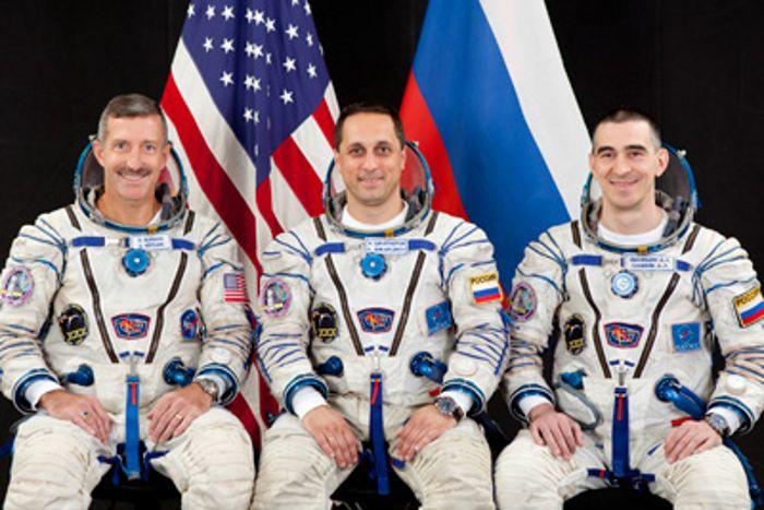 Сколько зарабатывают космонавты находясь на орбите? агенства, космонавты, деньги