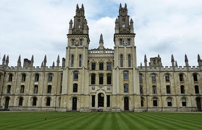 Невероятный факт: оксфордский университет старше империи ацтеков.
