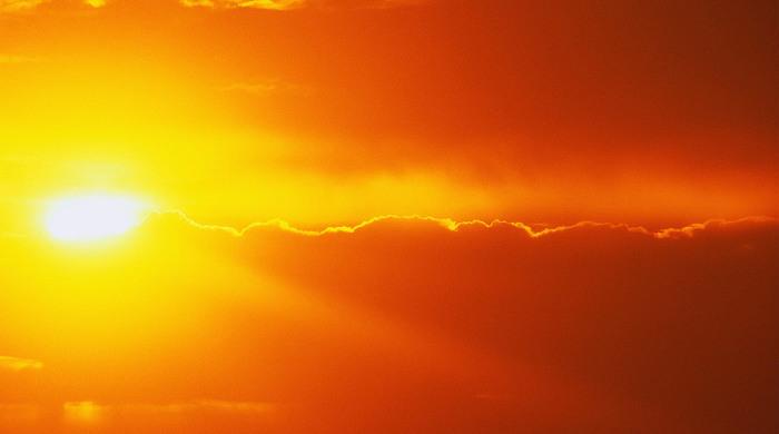 Несоответствие температуры солнечных полюсов.