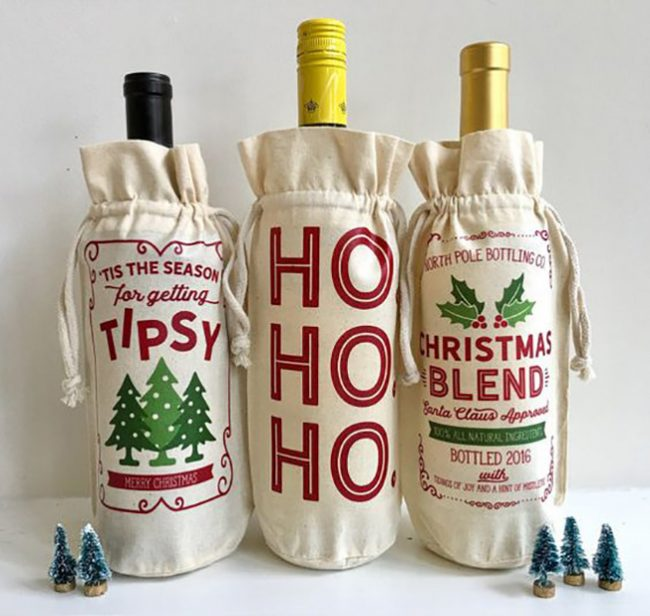 Тематические льняные мешочки для украшения новогоднего напитка