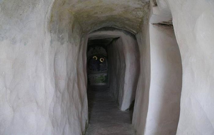 Самая уникальная меловая «Пещера покаяния» (Костомарово, Россия).