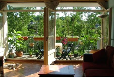 16 очаровательных сезонных идей для сада на балконе фото 16
