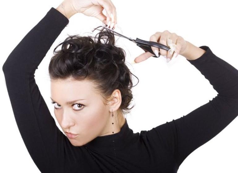 Сон, где нужно стричь волосы, толкуется по-разному и зависит от некоторых деталей сна.