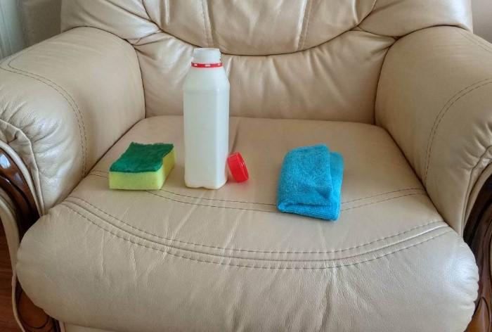 Используя бытовую химию, обязательно надевайте средства защиты / Фото: leoclean.com.ua
