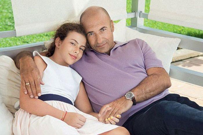 Игорь Крутой с младшей дочерью. / Фото: www.sia.az