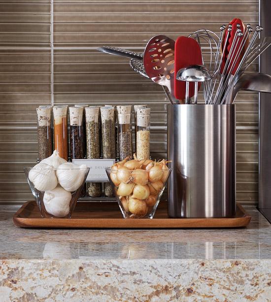 Способы хранения специй на кухне: лабораторные пробирки