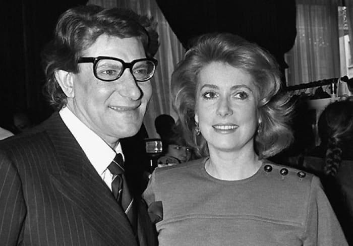 Ив Сен-Лоран и Катрин Денев в 1985 г. | Фото: tele.ru