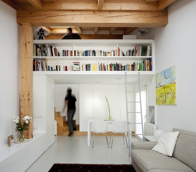 В маленьких квартирах каждый уголок нужно использовать с умом