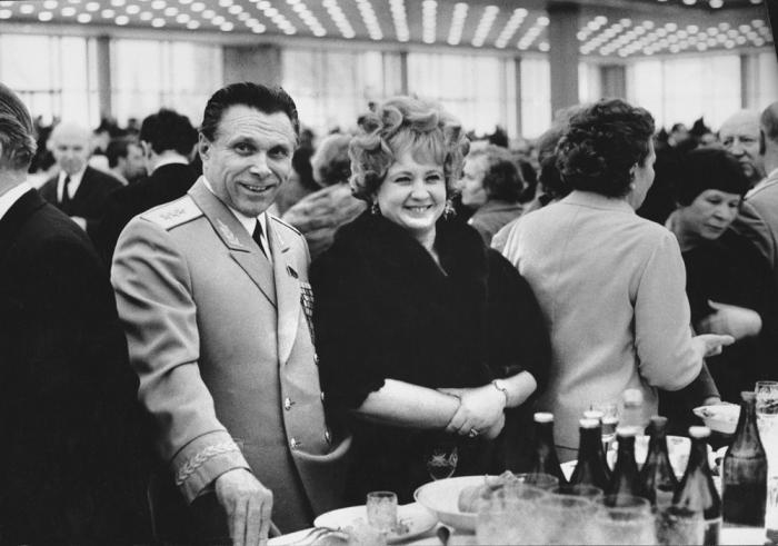 Николай и Светлана Щёлоковы. / Фото: www.baltermants.ru