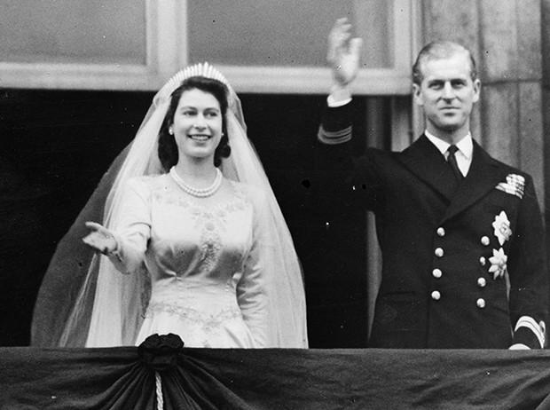 Фото №32 - 16 самых известных, красивых и дорогих свадебных платьев за всю историю