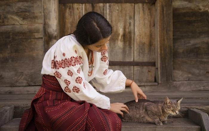 Кошек на Руси любили, но их не следовало пускать в изголовье, так как это грозило болезнями. /Фото: ladna-kobieta.com.ua