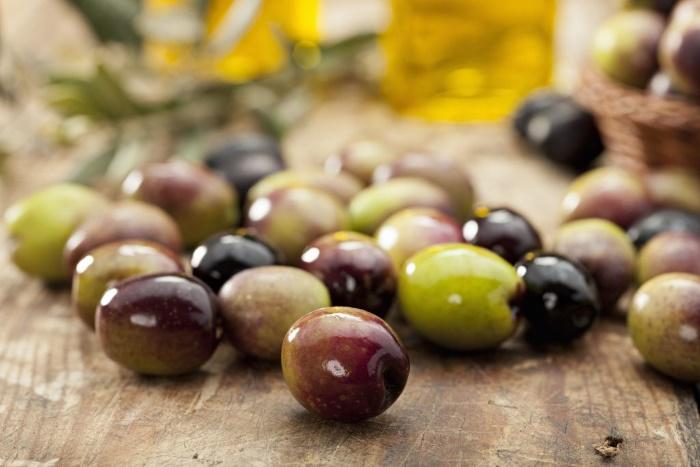 В каких продуктах содержится витамин Е - оливки, маслины и др