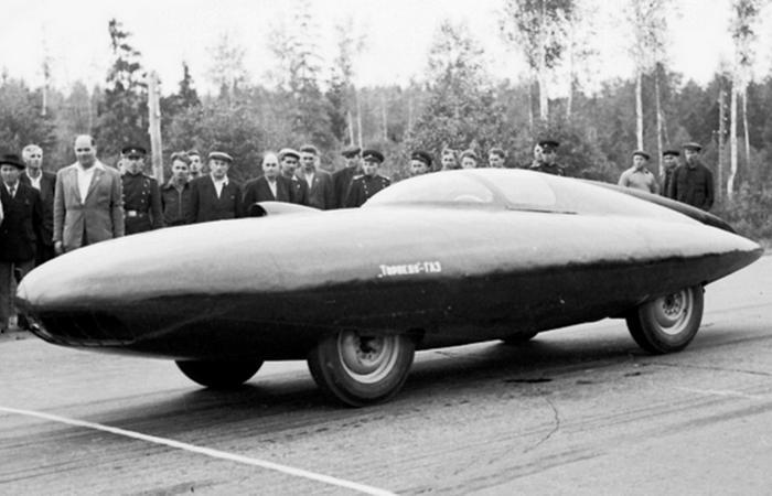 Автомобиль Газ-Торпедо.