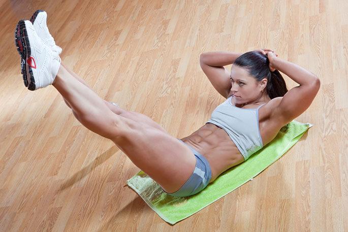 Только регулярные тренировки помогут вам привести живот в тонус