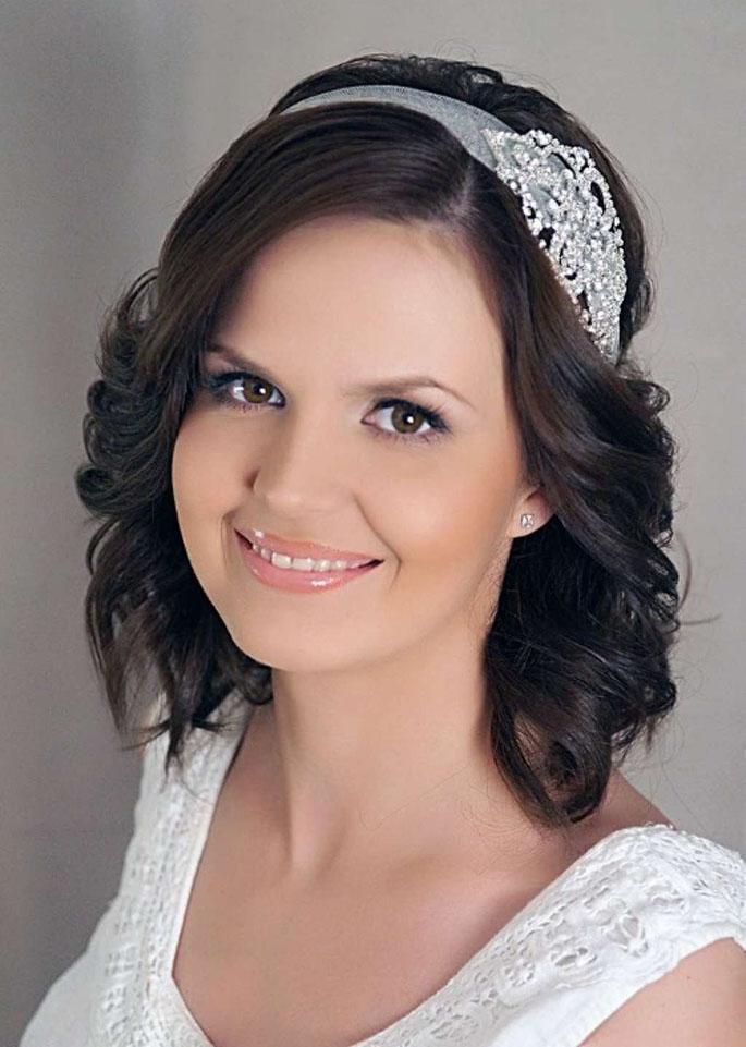 телефон прически на свадьбу короткие волосы фото был случай настраиванию