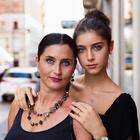 Румынский фотограф показал трогательную красоту мам со всего мира