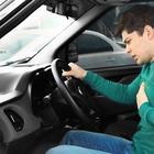 Водителю внезапно стало плохо — как остановить машину