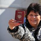 Паспорт без экзамена: Москва признала украинцев русскоязычными