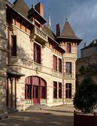 Загадочный дом Мантена, который простоял взаперти 100 лет, а сегодня снова принимает гостей