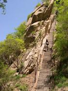 Эта тропинка в Китае — самый опасный маршрут в мире