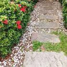 Из чего не стоит делать садовые дорожки: 7 вариантов, не прошедших проверку временем
