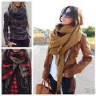 Как красиво повязать шарф — на платье, футболку или куртку