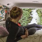 Американка-экстремалка целый год прожила в машине, путешествуя по стране и делая невероятные пейзажи