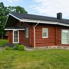 Минчане построили деревянный дом на Браславах. Смотрите, какие идеи для интерьера они реализовали