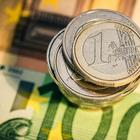 Испания начала раздавать деньги гражданам просто так