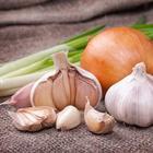 Как сохранить лук и чеснок в домашних условиях до весны