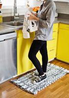 Тканый коврик из лоскутков