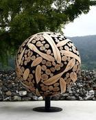 Художник создаёт потрясающие скульптуры и мебель из деревянных отходов