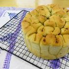 Свернем масляное тесто гармошкой и получим отрывной немецкий хлеб / Рецепты Другой Кухни