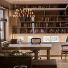Уютная современная квартира с библиотекой в Киеве