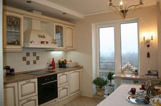 Кухня: современная светлая классика с венецианскими мотивами