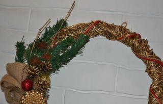 Новогодний венок из ивовых веток своими руками