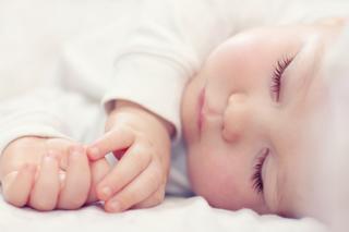 Спи, моя радость, усни: как уложить ребенка спать