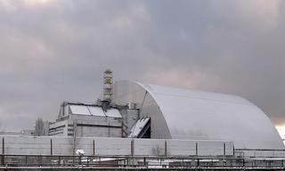 Чернобыльская АЭС накрыта гигантским саркофагом за 1,6 млрд евро
