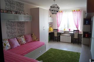 Детская: комната для девочек шести и девяти лет