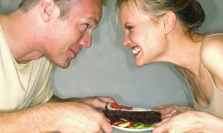 10 фраз, которые мужчине лучше не слышать, пока он не поел