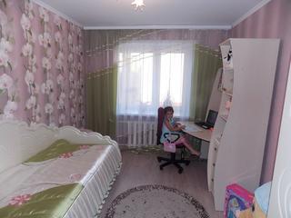 Детская: комната в лиловых тонах