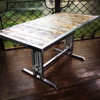 Мастерим стол в стиле лофт