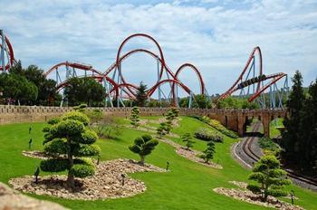 10 самых впечатляющих парков развлечений в мире